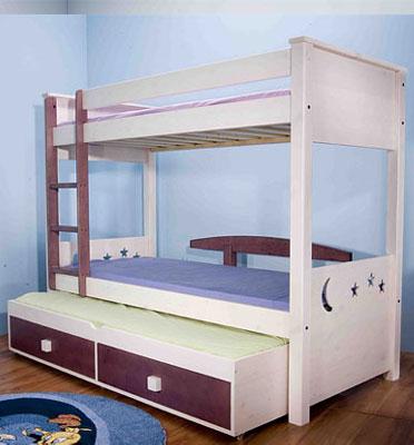מיטת קומתיים עשויה עץ אורן פיני מלא מבית