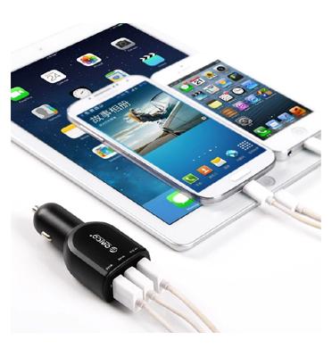 מטען לרכב עם 3 כניסות USB בעוצמה של 4.4A 22W עם מנגון הגנה בפני טעינת יתר, התחממות וקצר