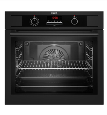 תנור אפיה בנוי נפח תא אפיה 72 ליטר סגירת דלת רכה בצבע שחור תוצרת AEG דגם BE1531310B