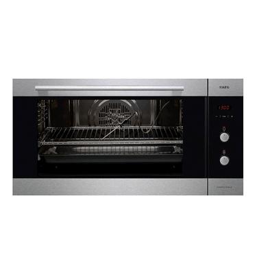 """תנור אפיה בנוי ברוחב 90 ס""""מ גימור נירוסטה תוצרת AEG דגם BE6915001M"""