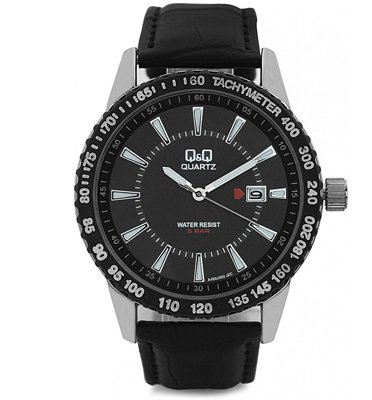 שעון יד Q&Q לגבר עם מחוגים ושנתות זוהרות עימד במים עד 50 מטר דגם QS-A450J302Y