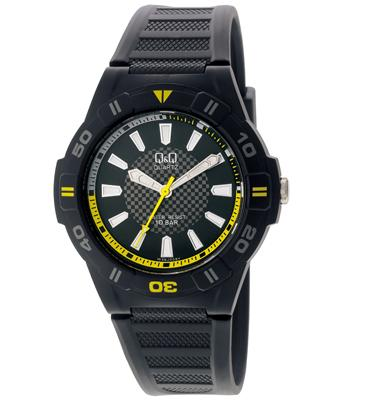 שעון יד לגבר עשוי פולימר קל משקל ועמיד במים עד 100M מבית Q&Q דגם QS-GW36J008Y