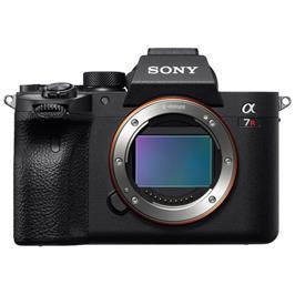 """מצלמת סטילס Full Frame 35 מ""""מ מסדרת אלפה Mirror less MP 61.0 (גוף בלבד) מבית SONY דגם ILC-E7RM4B"""