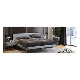 מיטה יהודית עם מערכת שינה מתכווננת בעיצוב נעים ואלגנטי המשלבת ראש מיטה דקורטיבי דגם Baron