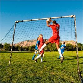 שער כדורגל מתכוונן עשוי מתכת נוגדת חלודה מבית LifeTime  דגם 90046