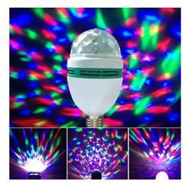 מנורת דיסקו, מסתובבת 360 מעלות, יוצרת אפקט של אורות ונותנת אווירה של מסיבה! דגם 1003244
