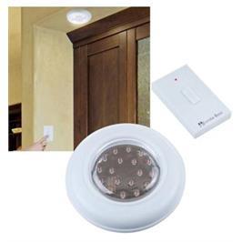 """מנורת לדים חזקה לתקרה המופעלת ע""""י מתג-שלט-רחוק ללא חיבורים לחשמל ללא קידוחים בקיר מבית ILIKE"""